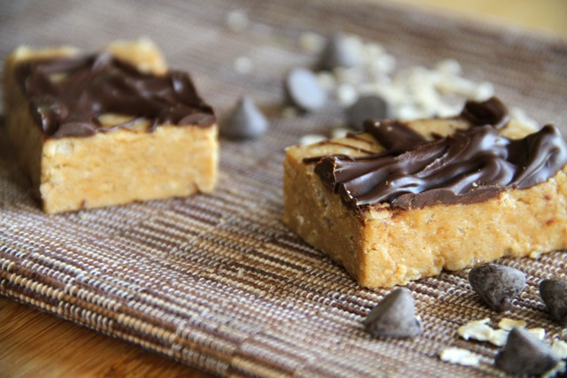 Almond Fudge Protein Bar