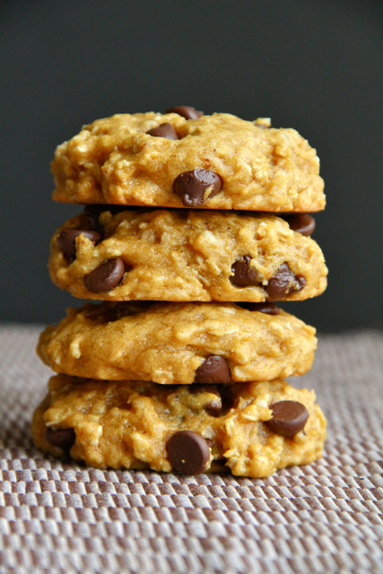 Vegan Chocolate Chip Pumpkin Oatmeal Cookies