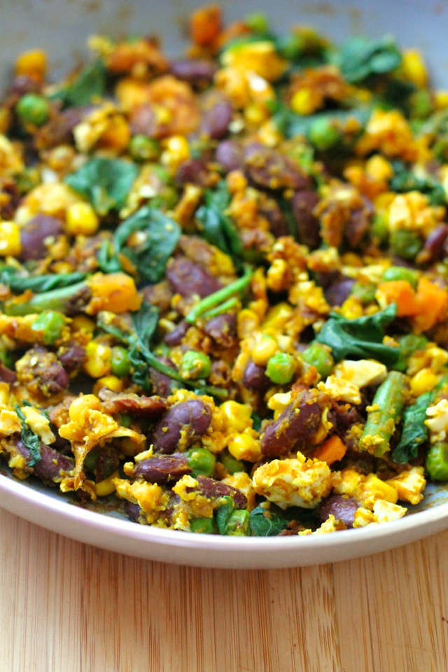 Pumpkin Chili Mexican Scramble || runningwithspoons.com