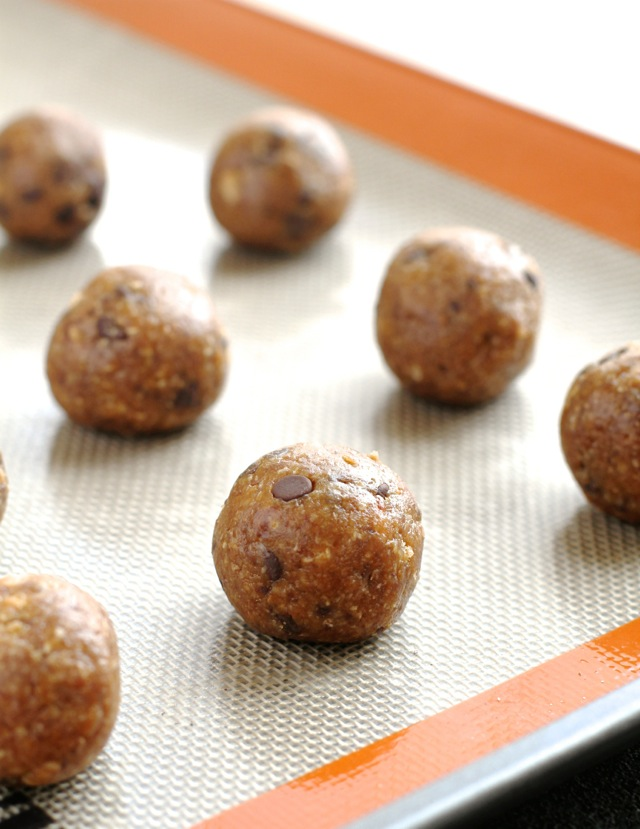 chocolate chip oatmeal date balls