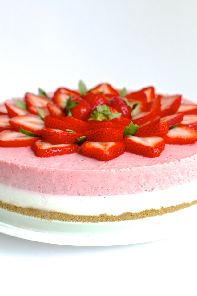 No Bake Strawberry Cheesecake | running with spoons