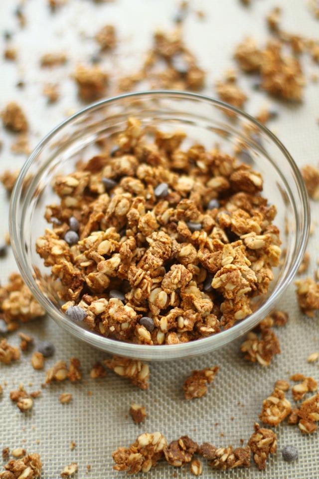 Vanilla Almond Butter Protein Granola || runningwithspoons.com #breakfast #protein #glutenfree #granola