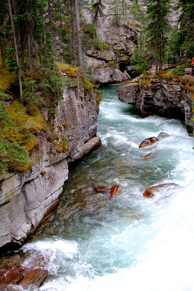 Maligne Canyon7