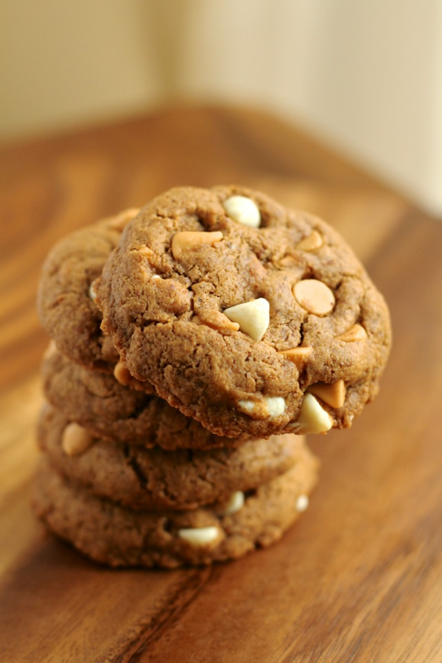 ... need to make these irresistible flourless maple almond butter cookies