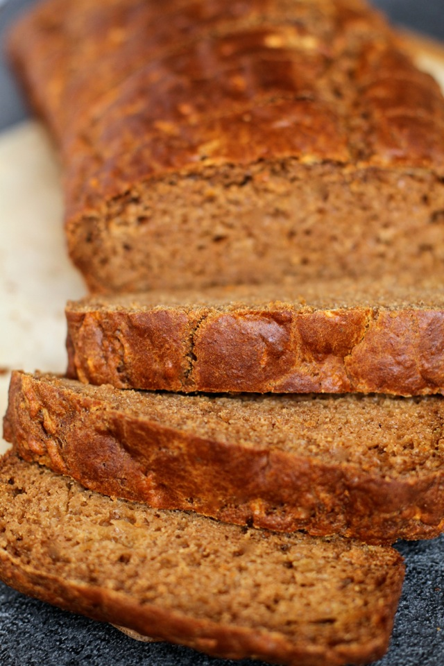 Spiced Greek Yogurt Applesauce Bread -- apples and warming spices ...