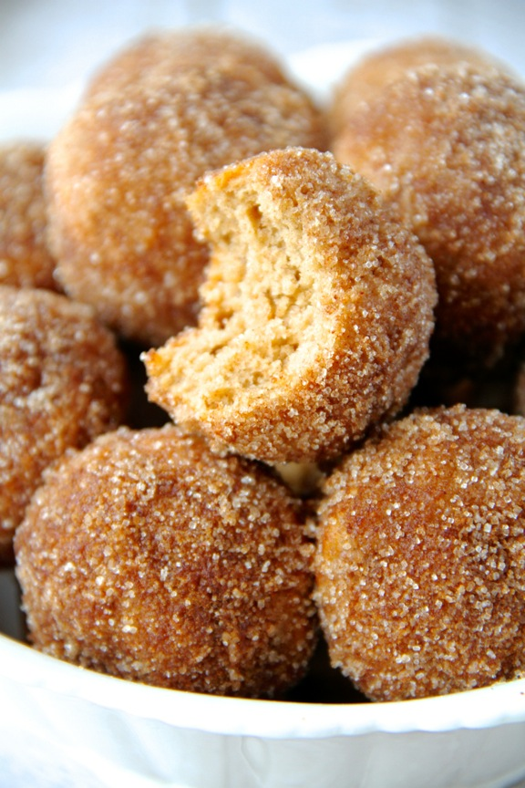 ... and pillowy donut hole || runningwithspoons.com #snickerdoodle #donuts