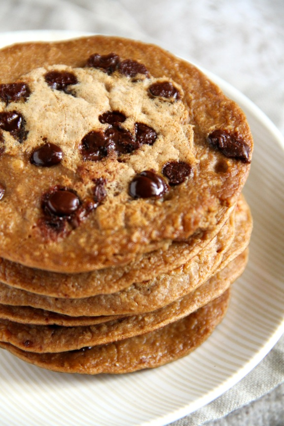 Chocolate Chip Gingerbread Greek Yogurt Pancakes -- Light, fluffy, and ...