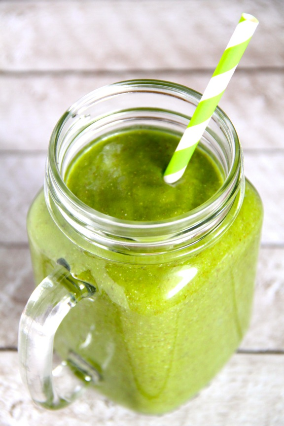 My Favourite Green Smoothie || runningwithspoons.com