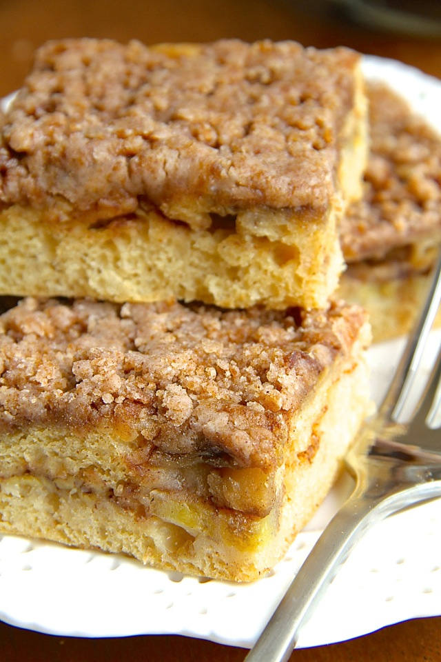 Cinnamon Sugar Banana Coffee Cake -- bananas and Greek yogurt help ...