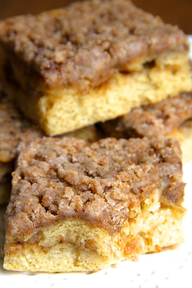 Cinnamon Sugar Banana Coffee Cake -- bananas and Greek yogurt help lighten up this DELICIOUS coffee cake that's healthy enough to enjoy for breakfast! || runningwithspoons.com