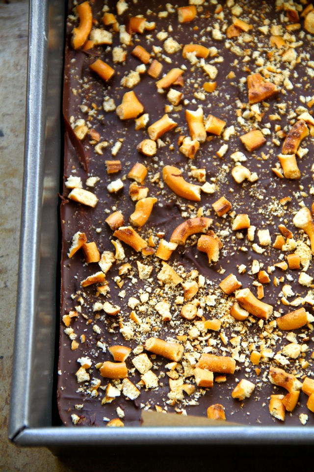 No Bake Salted Caramel Pretzel Bars -- sweet, salty, and melt-in-your-mouth delicious! These bars are made without flour, butter, or refined sugar    runningwithspoons.com #vegan #snack #bars