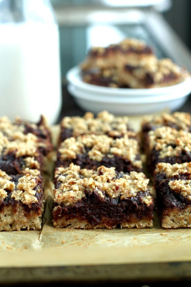 soft baked chocolate fudge banana oat bars