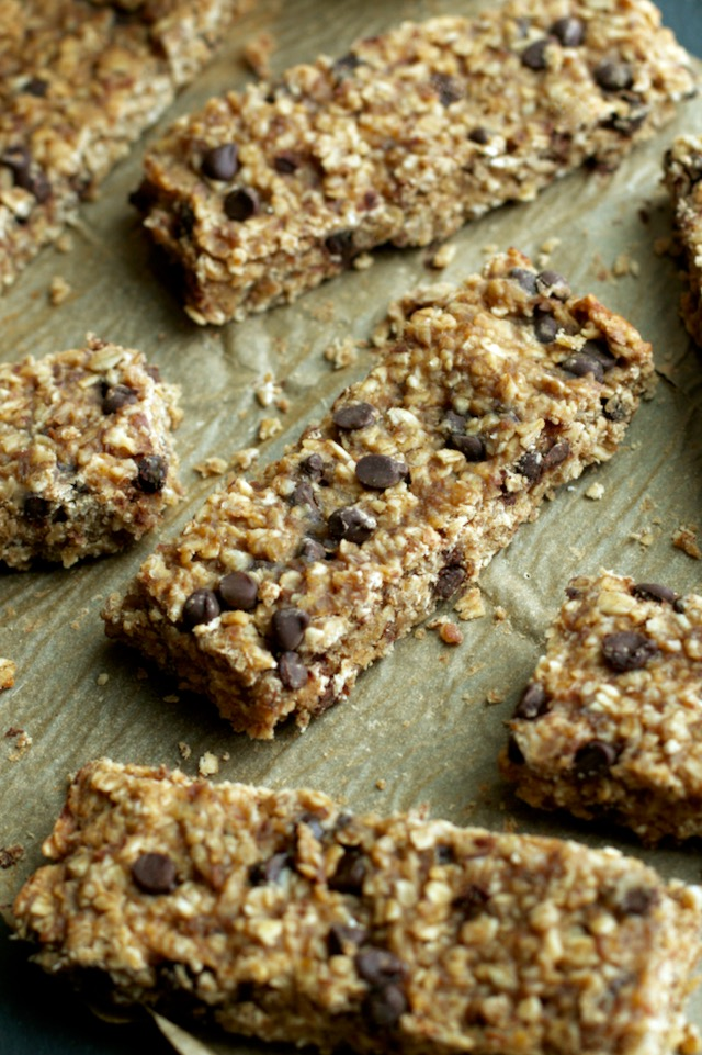 So much better than store-bought! These Soft and Chewy Banana Bread Granola Bars are made without any refined sugars or oils, and LOADED with chocolate and banana flavour! | runningwithspoons.com #vegan #glutenfree #healthy #snack