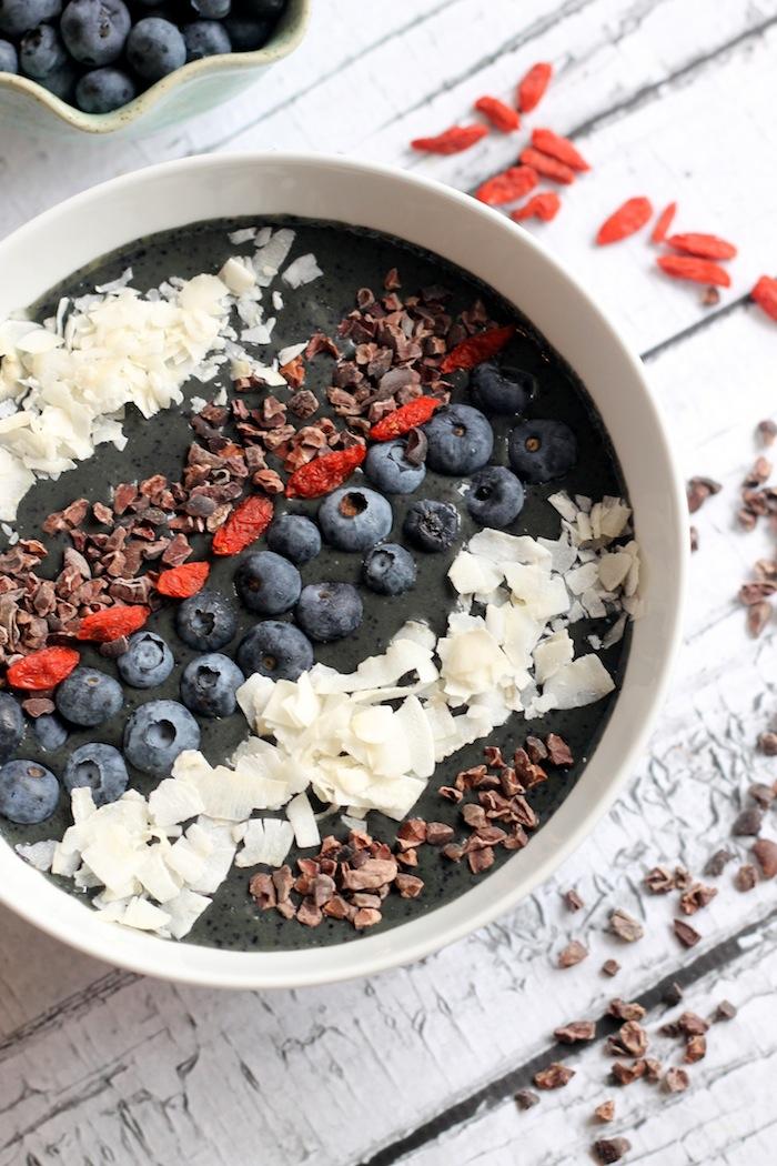Blueberry Cacao Smoothie Bowl
