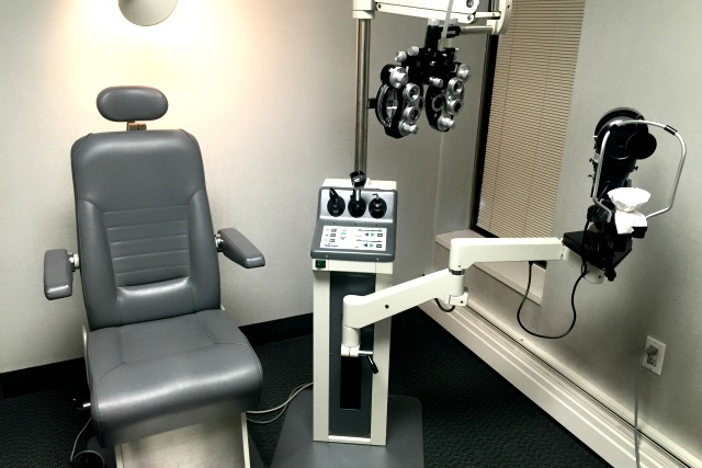 Eye Doctor Chair