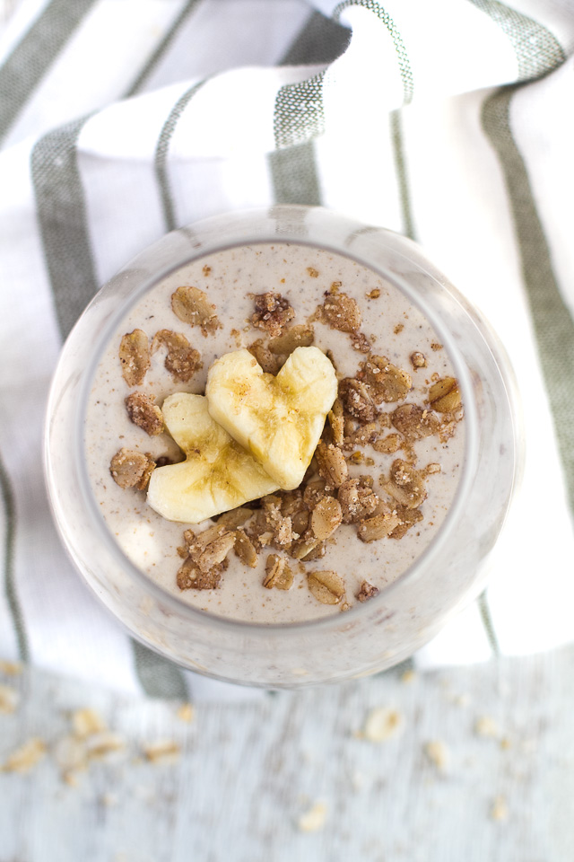 Banana Oat Breakfast Smoothie - 20g of whole food protein in a deliciously creamy smoothie that's guaranteed to keep you satisfied all morning!   runningwithspoons.com #recipe #healthy