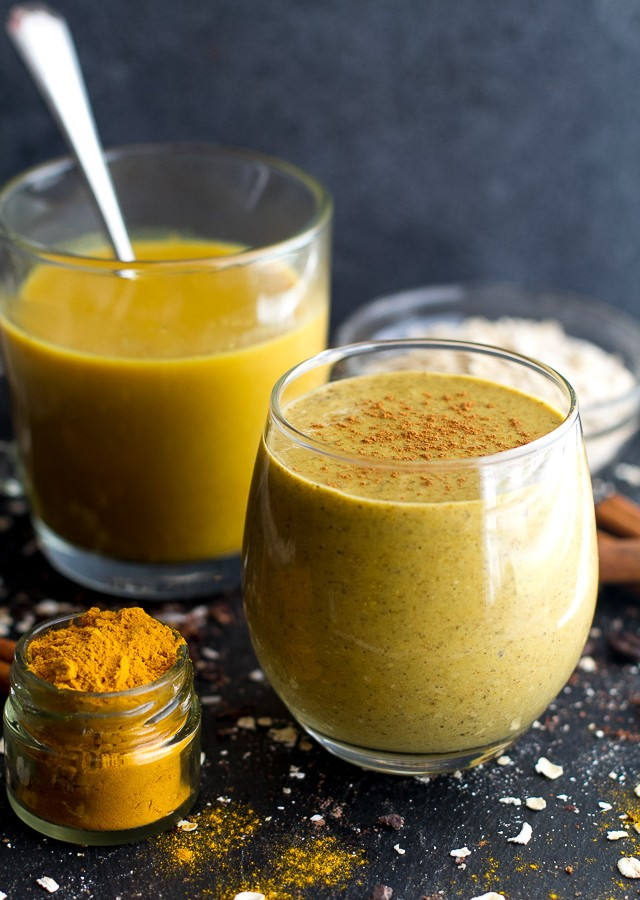 Golden Milk Overnight Oatmeal Smoothie