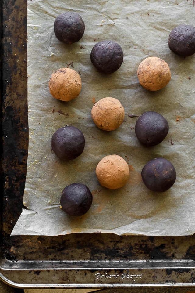 These melt-in-your-mouth No Bake Chocolate Fudge Protein Truffles taste SUPER decadent but are packed with good-for-you ingredients. They're a healthy way to satisfy those chocolate cravings and make a delicious pre or post-workout snack   runningwithspoons.com #recipe #vegan #glutenfree