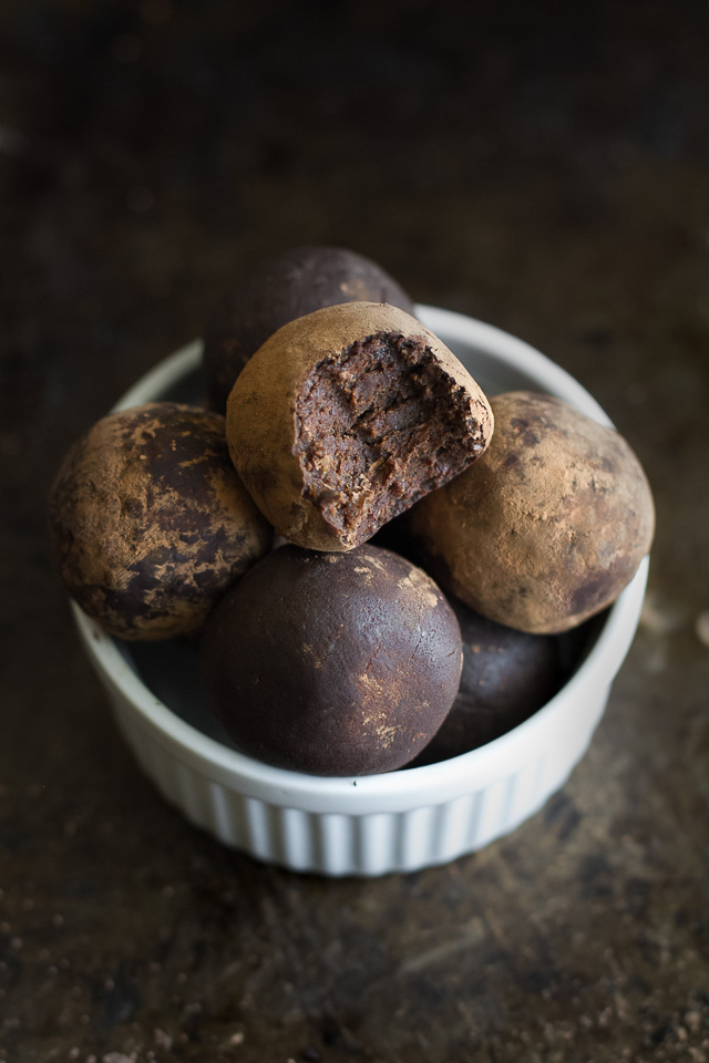 These melt-in-your-mouth No Bake Chocolate Fudge Protein Truffles ...