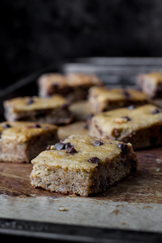 Grain Free Banana Bread Bars - the delicious taste of a sweet and buttery banana bread made with NO grains, butter, oil, or refined sugars! | runningwithspoons.com