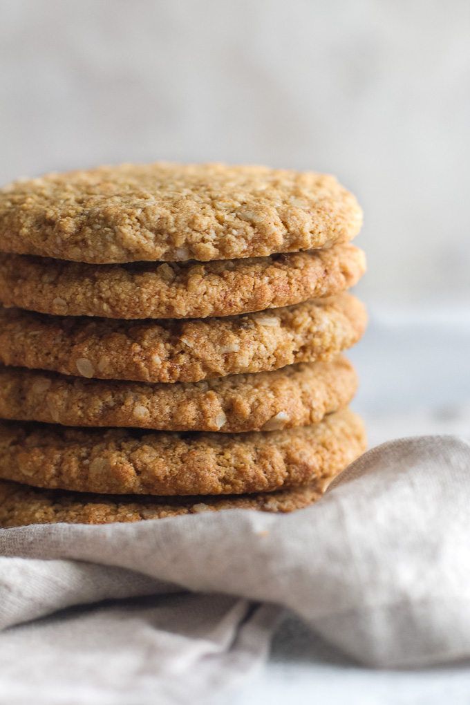 Flourless oatmeal cookies that are soft, chewy, and super easy to make with only one bowl and 7 ingredients | runningwithspoons.com