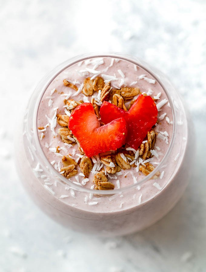 Strawberry Banana Oat Breakfast Smoothie